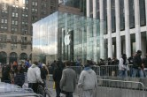 iPad 2 Launch – Fifth Avenue Apple Store - Image 18 of 40