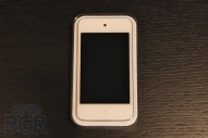 iPod touch (white) - Image 2 of 7