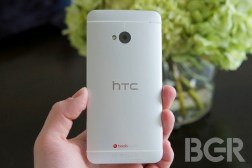 HTC One BlackBerry Q10 Release Date