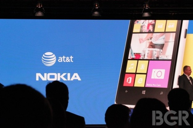 Nokia Lumia 1020 Strategy Criticism