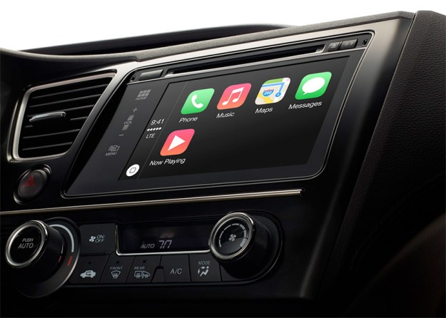 Apple CarPlay BlackBerry QNX