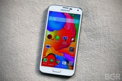Galaxy F vs Galaxy S5 Pictures