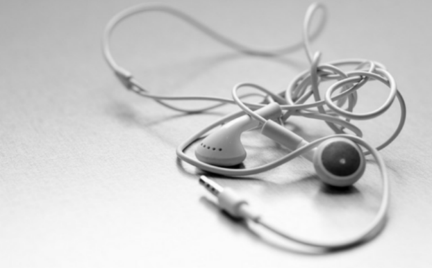 How To Stop Earbuds From Tangling