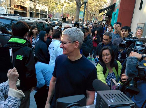 Tim Cook Comes Out As Gay Video