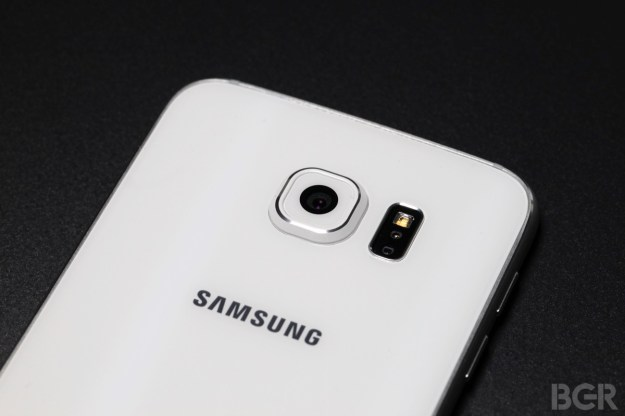 Samsung Galaxy S7 Leaked Photos