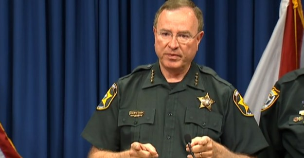 Sheriff Apple CEO Tim Cook Encryption