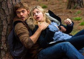 The 5th Wave (Movie) Review - 2016-01-21 15:14:54
