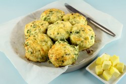 Fun Busy Cooks Copycat Cheddar Bay Biscuit Recipe Cheddar Bay Biscuit Recipe Bay Seasoning Cheddar Bay Biscuits This Is A Short Code Recipe Weight Watchers Red Lobster Cheddar Bay Biscuits Recipe