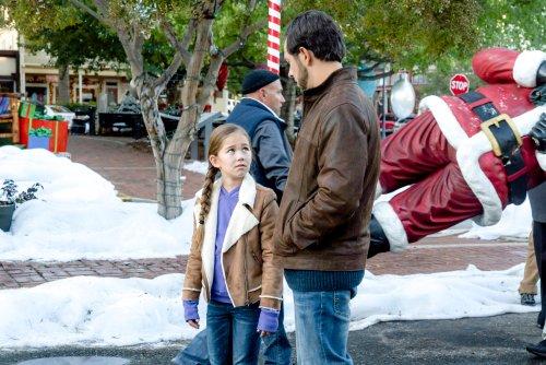 Medium Of Christmas In Homestead Cast