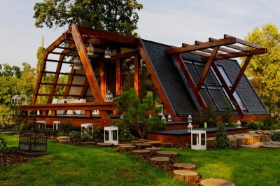 Cool Design For a Self Sustainable Home - Soleta ...