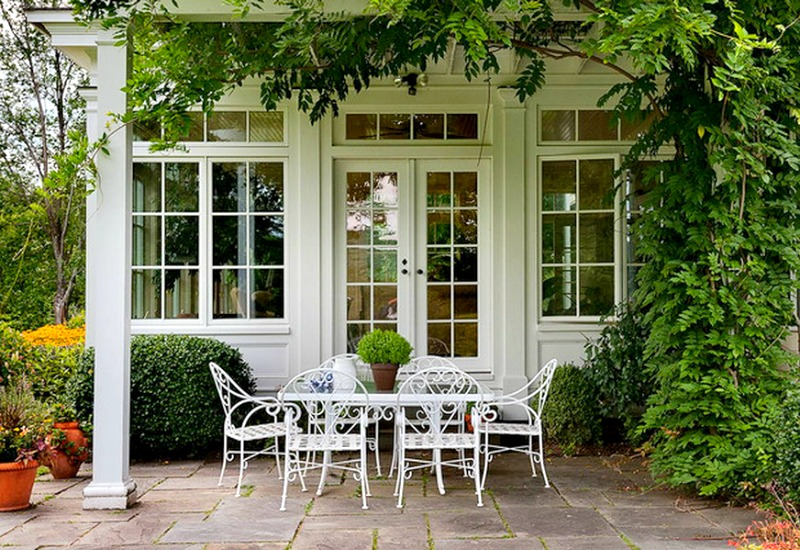 White Wrought Iron Chairs Part - 29: White Wrought Iron Furniture. View In Gallery Green And White Always Works  Beautifully Together Outdoor Settings Wrought Iron Furniture W