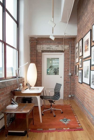 Trendy Textural Beauty: 25 Home Offices with Brick Walls
