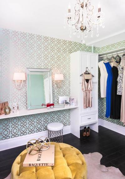 Blue and Green Trellis Closet Wallpaper - Contemporary - Closet