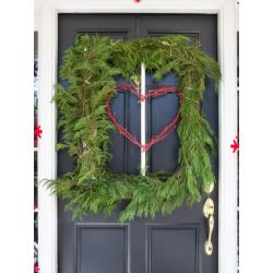 Sleek Bpf Holiday House Exterior Porch Decorating Square Tree Wreath Vjpg Rend Hgtvcom Diy Outdoor Decorations To Start On This Diy Outdoor Decorations Cheap Diy Outdoor Decorations Youtube
