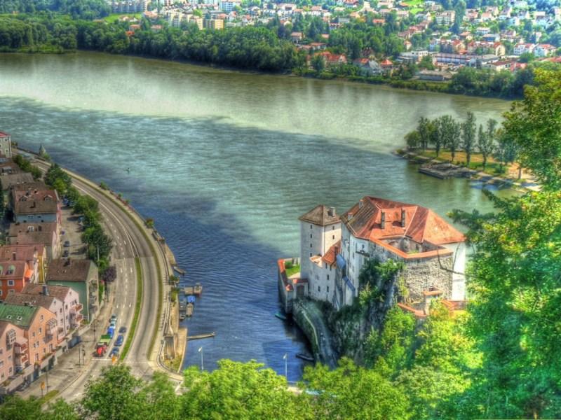 6. Место слияния трех рек - Дуная, Ильца и Инна (Германия) река, течение