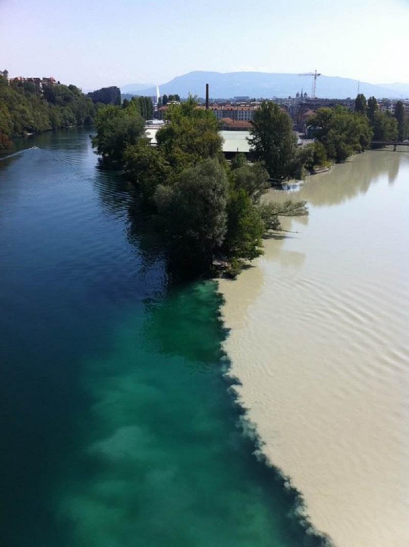 7. Место слияния рек Рона и Арв в Женеве (Швейцария) река, течение