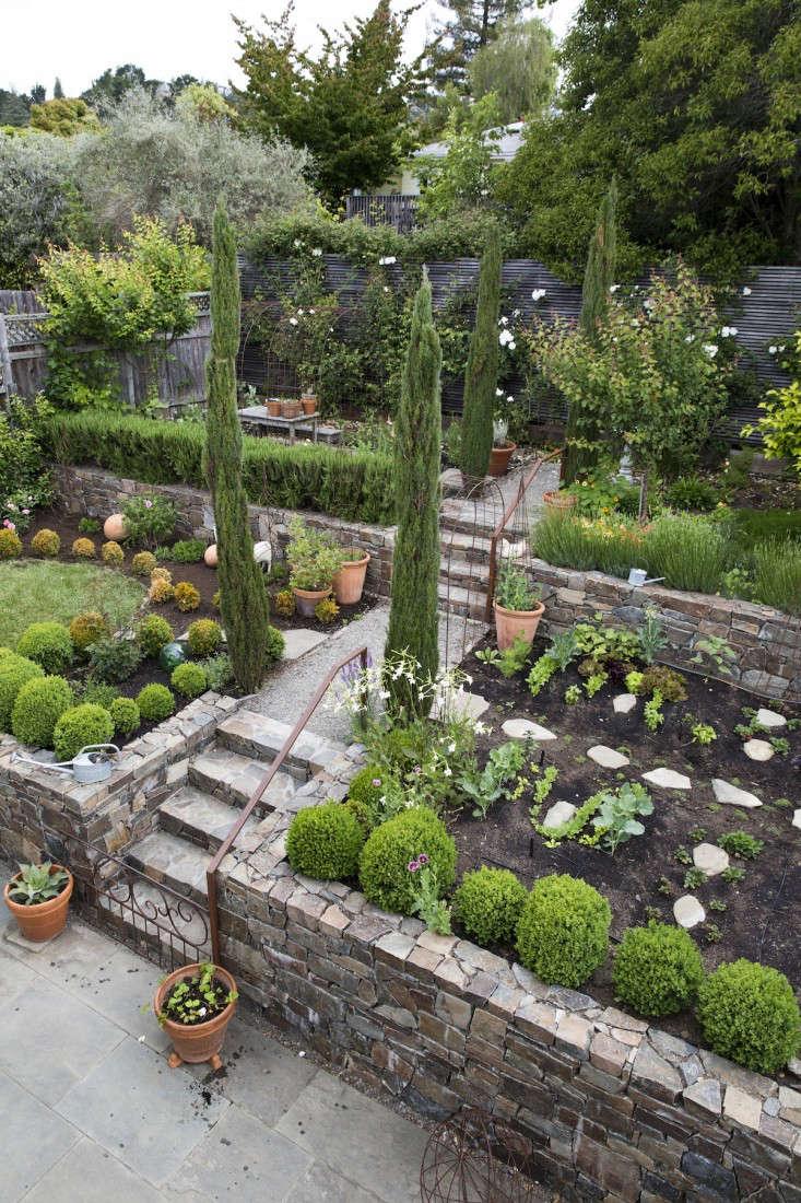 Upscale Landscaping Design Mistakes To Avoid Gardenista Garden Ideas Backyard outdoor Garden Ideas For Backyard