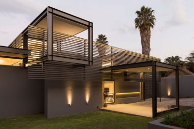 Creative Renovation Gives Modern Life to an Existing Frame
