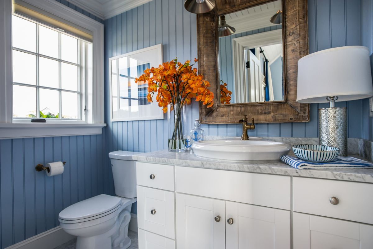 Upscale Bathroom Color Schemes You Never Knew You Wanted Bathroom Ideas Subway Tiles Black Bathroom Ideas Warmed Up ideas White Bathroom Ideas