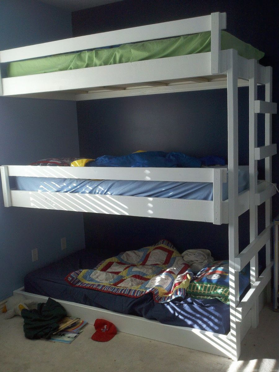 Glancing Saving Space Staying Triple Bunk Beds Homemade Triple Bunk Bed Plans Triple Bunk Bed Plans Sale houzz-03 Triple Bunk Bed Plans