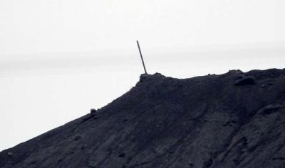 Black flag of IS torn down as Kurdish fighters recapture hill of Kobani | World | News | Express ...