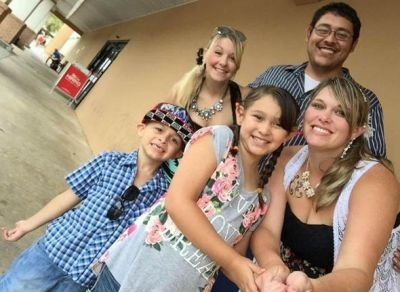 Polyamorous: Three-way relationship raising children together | World | News | Express.co.uk