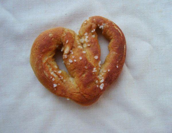 heart pretzel.jpg