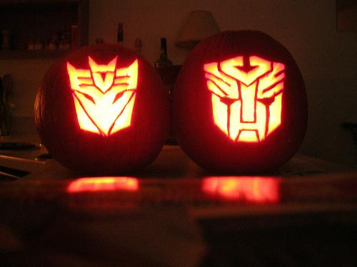 transformers-autobots-decepticons-pumpkin-faces.jpg