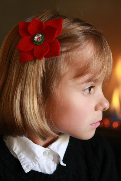Poinsettia_hair_clip_pin.jpg