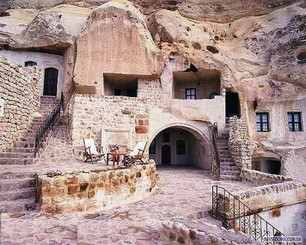 7_Centuries_old_Stone_Houses_in_Iran_11.jpg