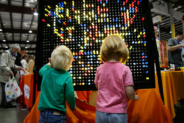 maker-faire-kids-led.jpg