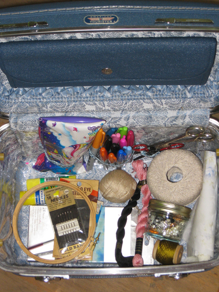 Travel Craftkit Large.Jpg