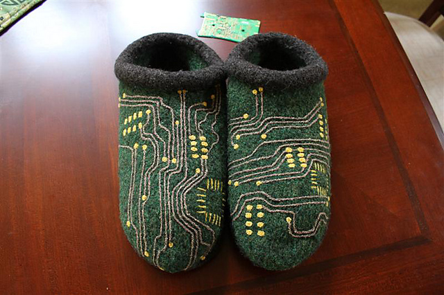 circuit_board_slippers1.jpg