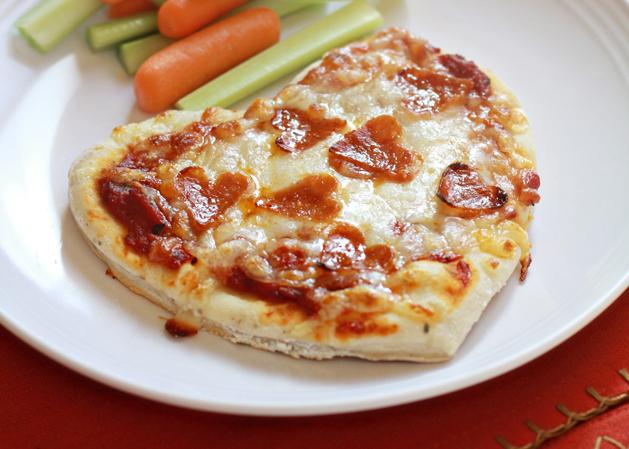 Kidskitchen heartpepperonipizza main