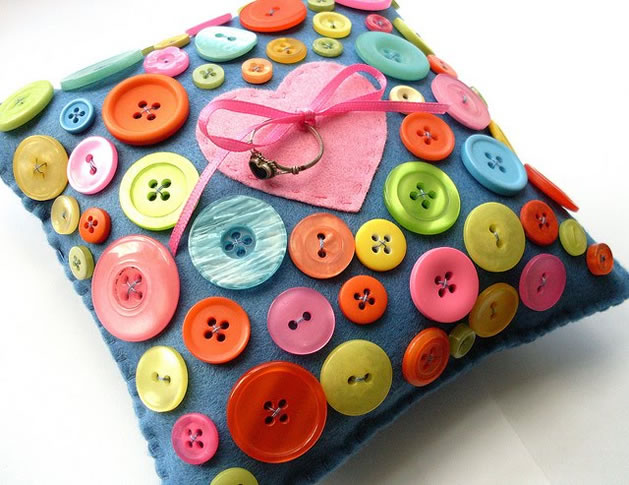 button_ring_pillow.jpg