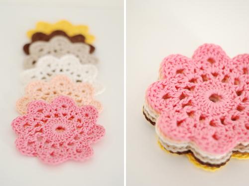 crochet_flower_coasters.jpg
