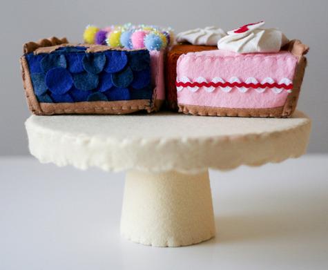 felt_cake_stand.jpg
