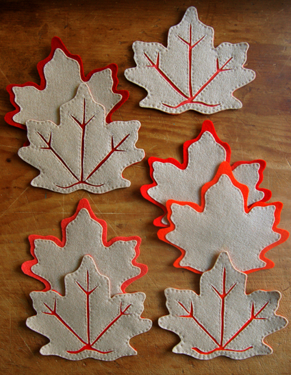 fall_felt_leaves_coasters.jpg