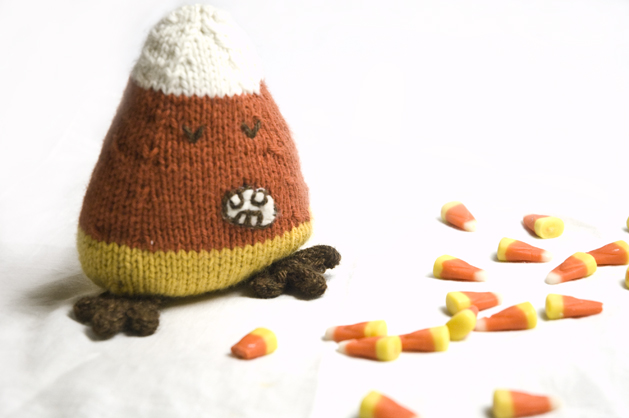 knitcandycorn-finished02.jpg
