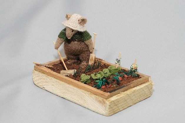 Miniature_knitting_flickr_roundup.jpg