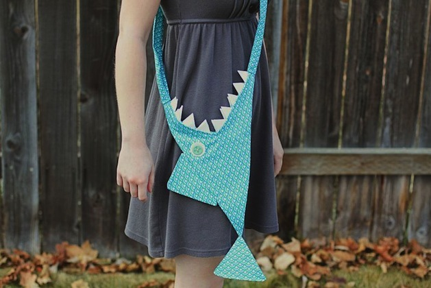 abeautifulmess_shark_purse2.jpg