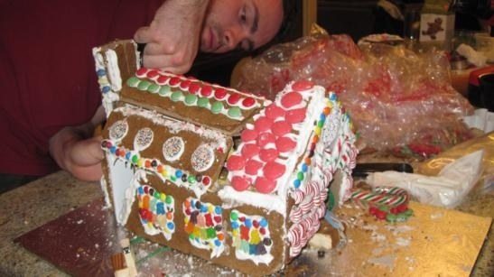 transforming-gingerbread-house-1.jpg