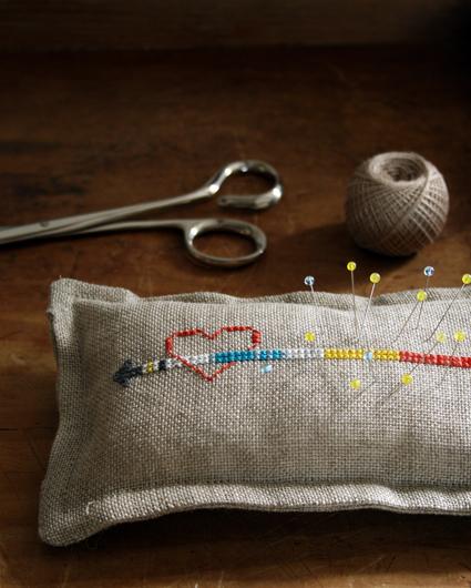 cross_stitch_heart_arrow_pin_cushion_purl_bee.jpg