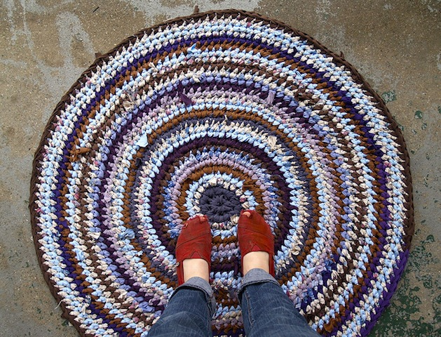Purple_and_Brown_Rag_Rug_Flickr_Roundup.jpg