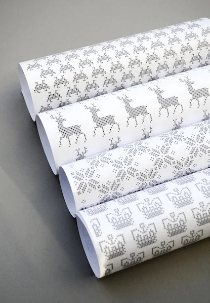minieco_cross-stitch_wrapping_paper