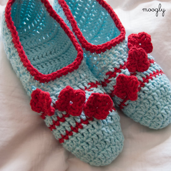 mooglyblog_pozy_toes_crochet_slippers