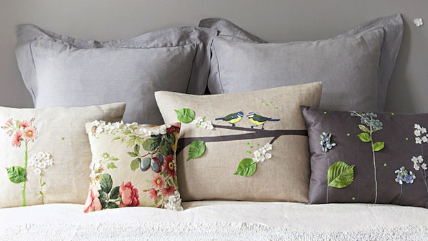 homelife_silk_applique_pillows