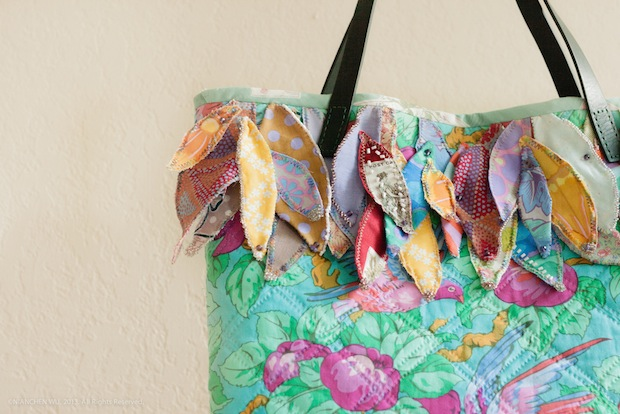 05_Colorful_Feather_Bag_flickr_roundup