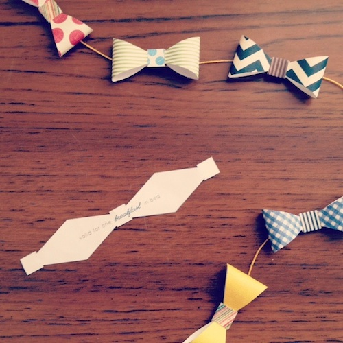 fancyhouseroad_bow_tie_garland