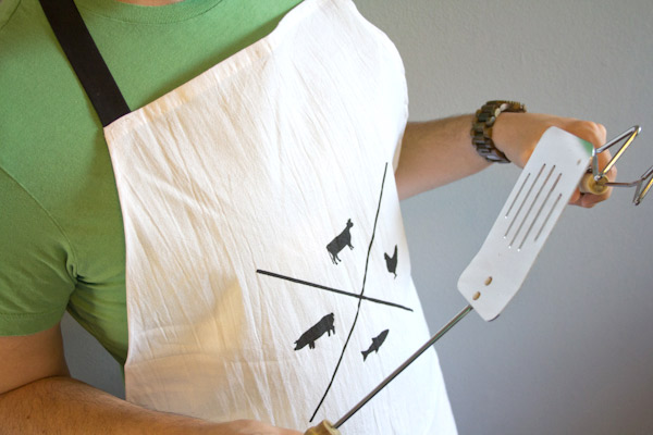 lovelyindeed_manly_man_apron_02